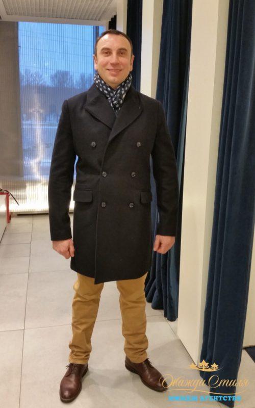 Двубортное пальто согреет и украсит