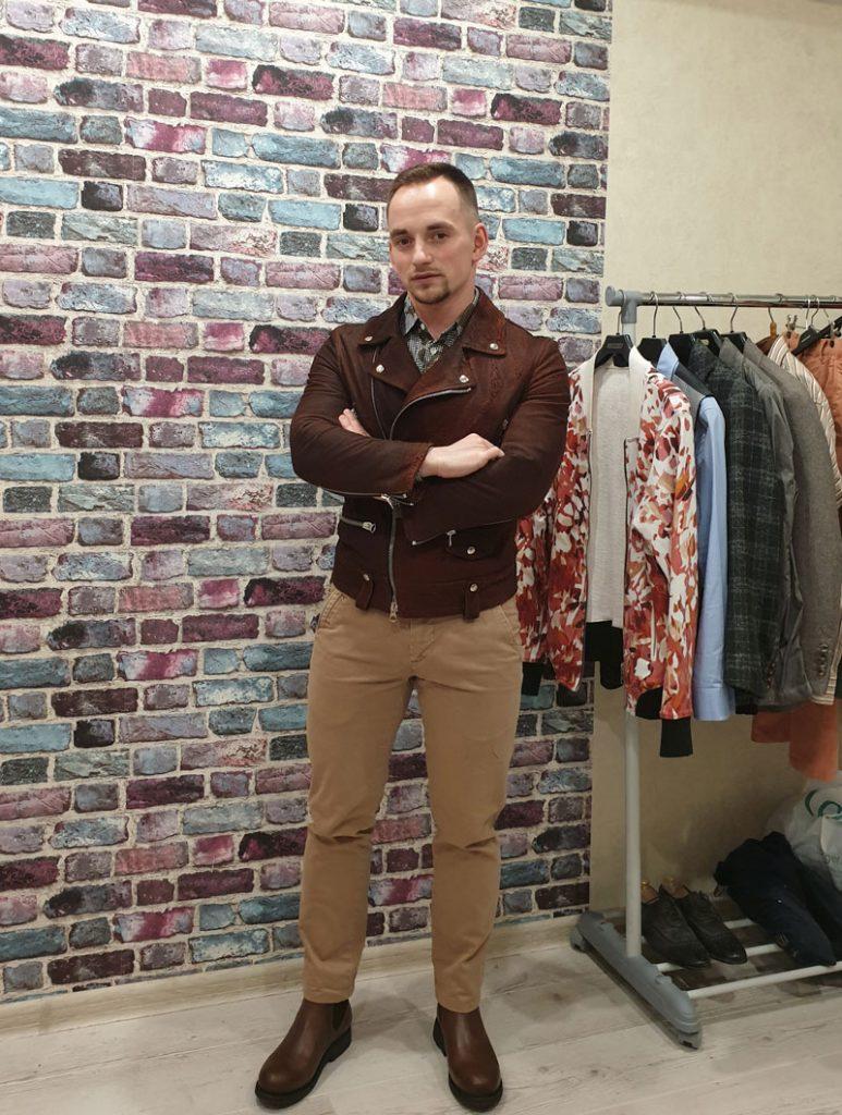Кожаная куртка и сафари стиль
