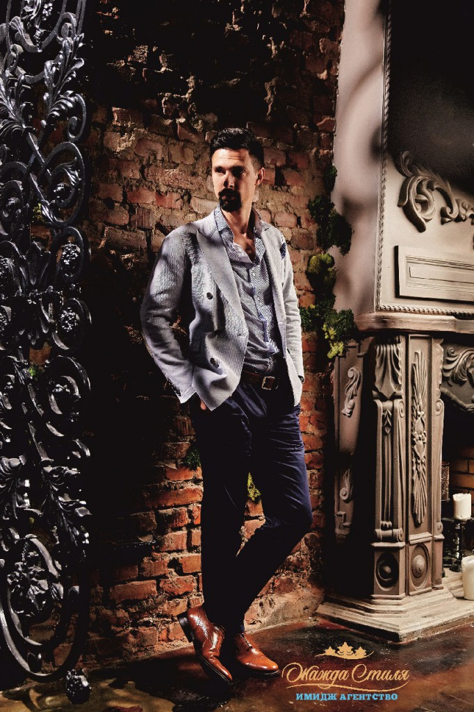 Двубортный casual пиджак как альтернатива классическим вариантам.
